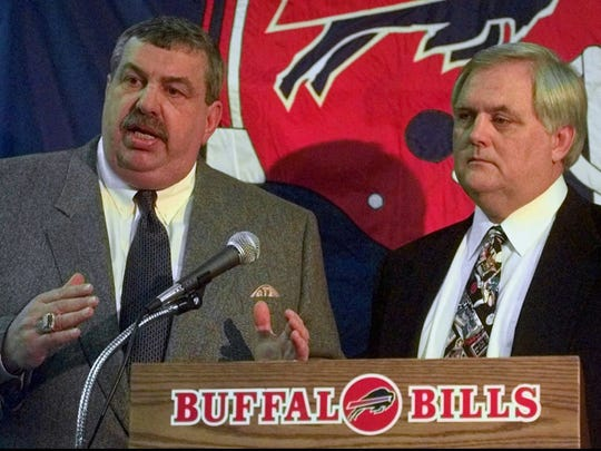 In the 2000 season, John Butler was the Bills' general manager and Wade Phillips was the head coach.
