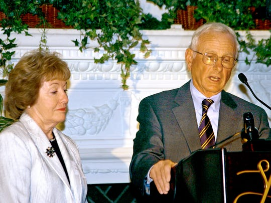Anne and Bob Kinsley were awarded the Cornerstone Award by Lutheran Social Services on in April 2005.