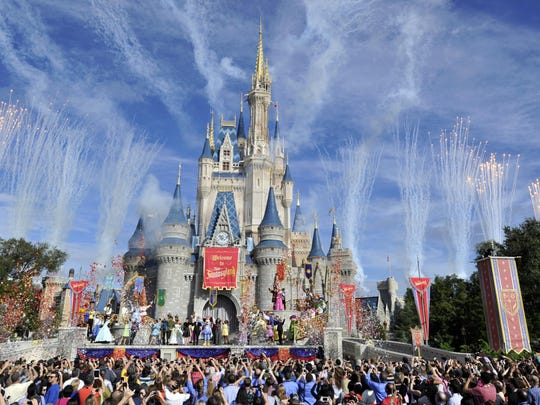 It's time to go on vacation. How about Walt Disney World in Florida?