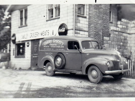 Oakley-Grocery-Store-Circa-1948.jpg