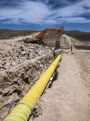 The Roadrunner natural gas pipeline under construction