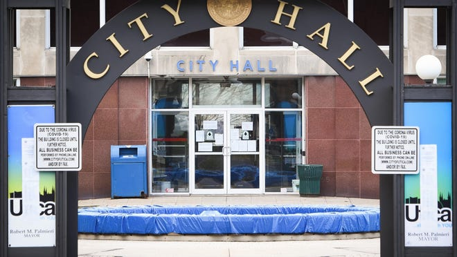 The Utica Common Council reviewed a proposed ordinance requiring licenses for neighborhood retail stores during a meeting Sept. 14.