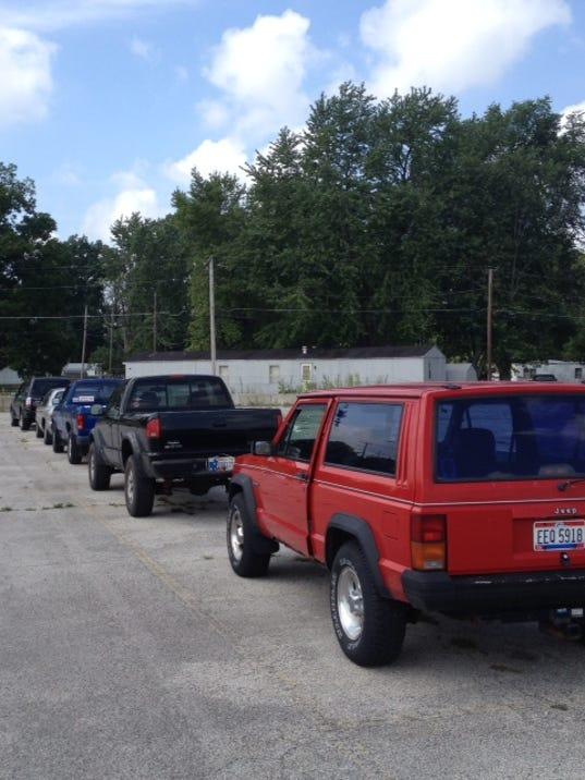 Tailgate cars.JPG