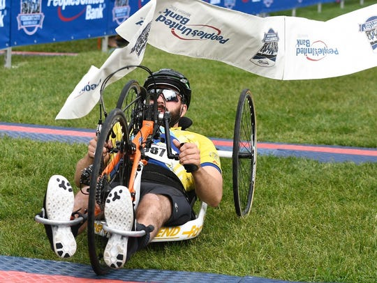 2018 Vermont City Marathon handcycle men's winner is