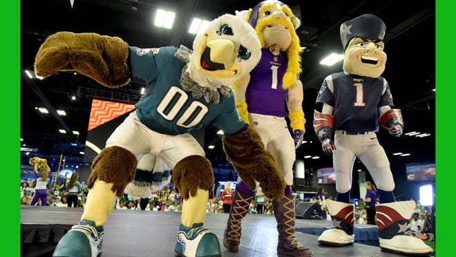 MINNEAPOLIS, MN - JANUARY 31: The Philadelphia Eagles, Minnesota Vikings and New England Patriots mascots are seen onstage before the JoJo Siwa performs at Nickelodeon at the Super Bowl Expereince during NFL Play 60 Kids Day on January 31, 2018 in Minneapolis, Minnesota. (Photo by Mike Coppola/Getty Images for Nickelodeon)