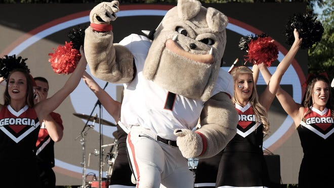 Hairy Dawg and the Georgia cheerleaders are scheduled to perform during the Border Bash.