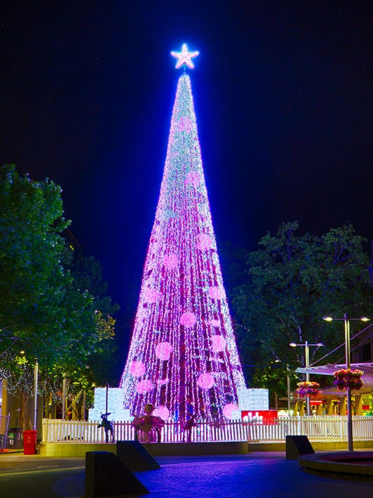 australian christmas tree sets world record with 518838 lights