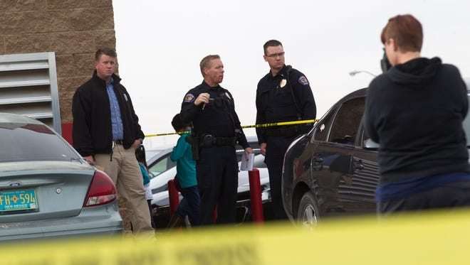 Farmington police investigate a reported stabbing on Jan. 6 at the Laundratopia parking lot at 101 Gooding Lane in Farmington. A media report says violent crime surged in the Farmington area between 2011 and 2016, but FBI stats show violent crime in the city itself decreased sharply.