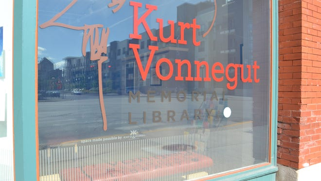 The current storefront of the Kurt Vonnegut Memorial Library.