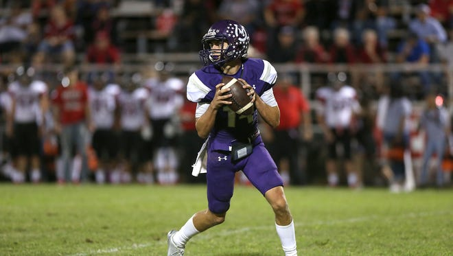 Mason quarterback Otto Wofford threw four touchdown passes against Brackettville in a 66-0 win on Friday, Oct. 27, 2017, in Mason.