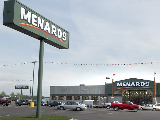 Menards hosts grand opening