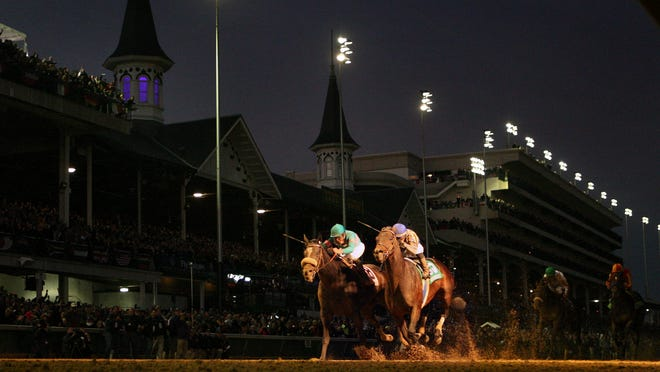 Blame holds off Zenyatta for the 2010 Breeder's Cup Classic win.