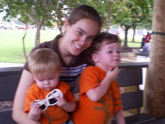 091309 at park  me and my babies (2).JPG