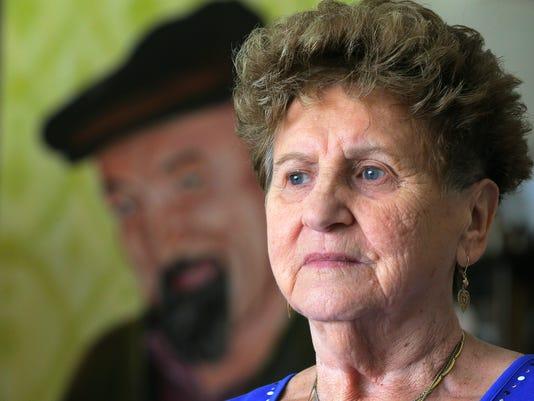 ASB 0411 Carino's Corner: Holocaust SurvivorPresto ID: 82739852