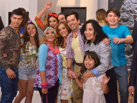 """Alma y Carlos son pareja, pero en la telenovela """"3"""