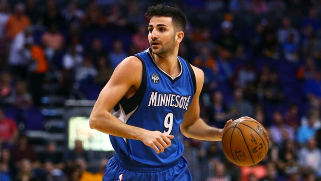 Ricky Rubio against the Phoenix Suns at Talking Stick Resort Arena.