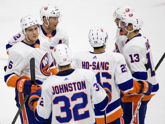 Islanders_Flyers_Hockey_10256.jpg