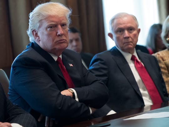 Donald Trump y Jeff Sessions.