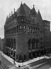 The Chamber of Commerce Building, in 1904, was the