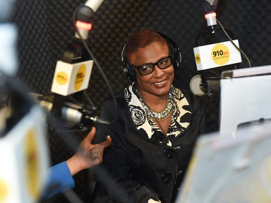 Evans co-hosts a Saturday afternoon talk show with Detroit City Councilwoman Mary Sheffield on 910AM.