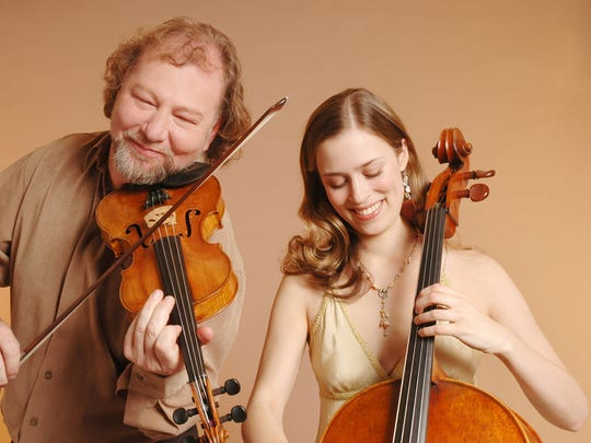 Alasdair Fraser and Natalie Haas perform their blend of Celtic music Saturday in Stowe.