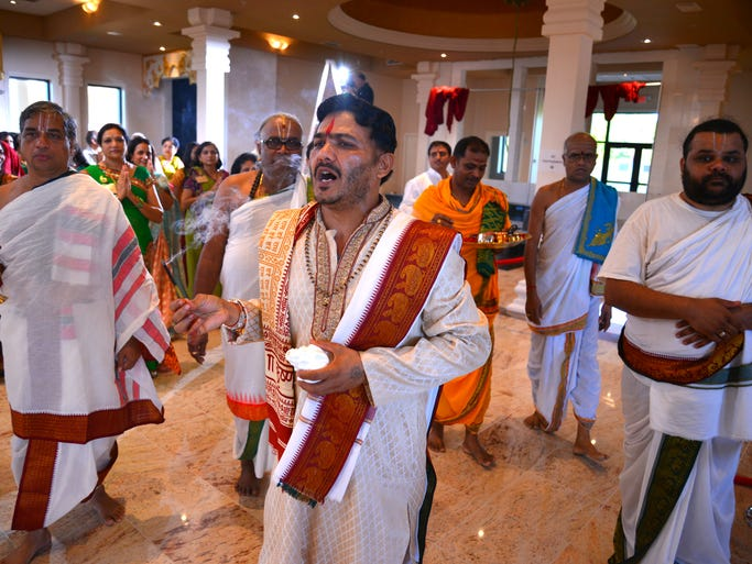 Friday morning begins the three day celebration and ceremonies for the opening of the Manav Mandir temple in Melbourne. After the Ganesh Prayer, the 10 priests enter the temple.