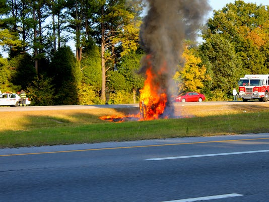 I-24 Car fire 1024.JPG