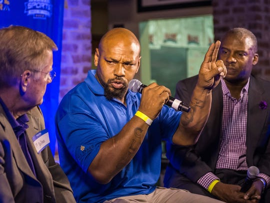 Carencro's Kevin Faulk, shown here at a Louisiana Sports Hall of Fame function, is reportedly joining LSU's staff.