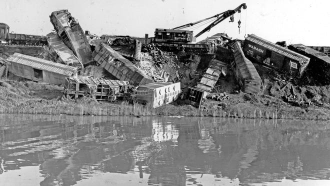 A 250-ton Industrial Brownhoist diesel wrecker was the largest of the wreckers brought in to clear the wreckage at Lake Hartwell.
