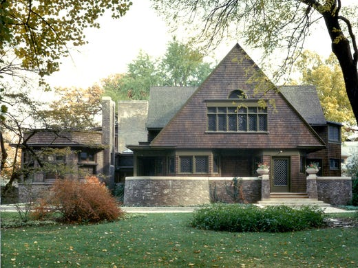 Frank lloyd wright celebrate the architect 39 s 150th birthday for Two story farmhouse oak park
