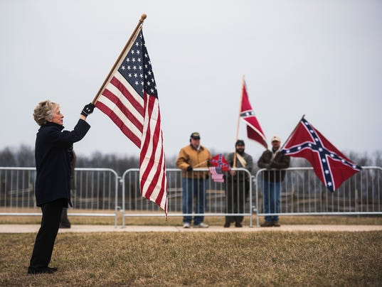HES-sd-030516-confederate-flag-day-5.jpg