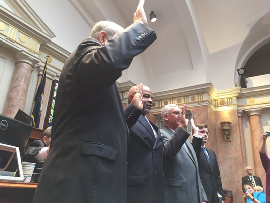 635936567768805940-Ky-house-sworn-in.png