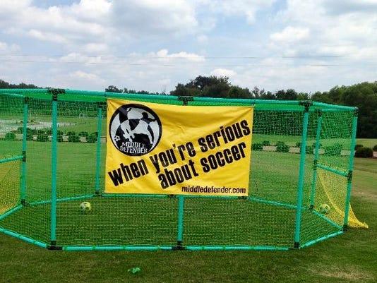 00001_AA_Defender_Soccer