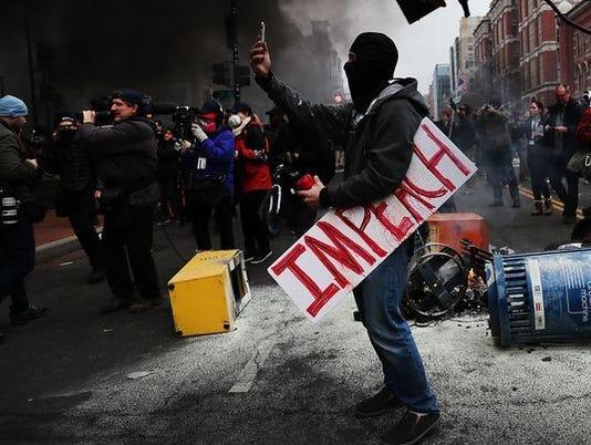 636385627041413258-protester3.jpg