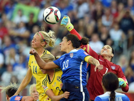 TOPSHOTS-FBL-WC-2015-WOMEN-MATCH19-USA-SWE