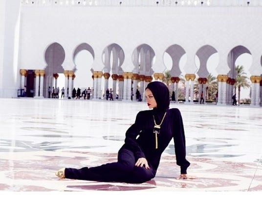 rihanna-mosque-1