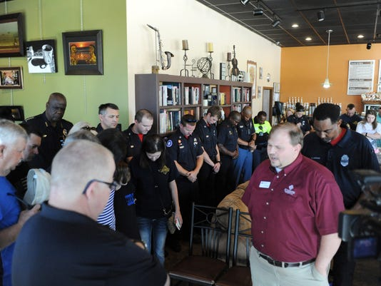 636299270092836173-Coffee-with-a-cop-6.jpg