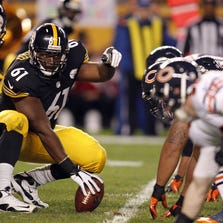 Steelers center Fernando Velasco at the line of scrimmage against the Chicago Bears at Heinz Field.