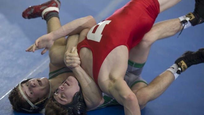 South Plainfield's Joe Heilmann on the way to a major decision at 132 pounds