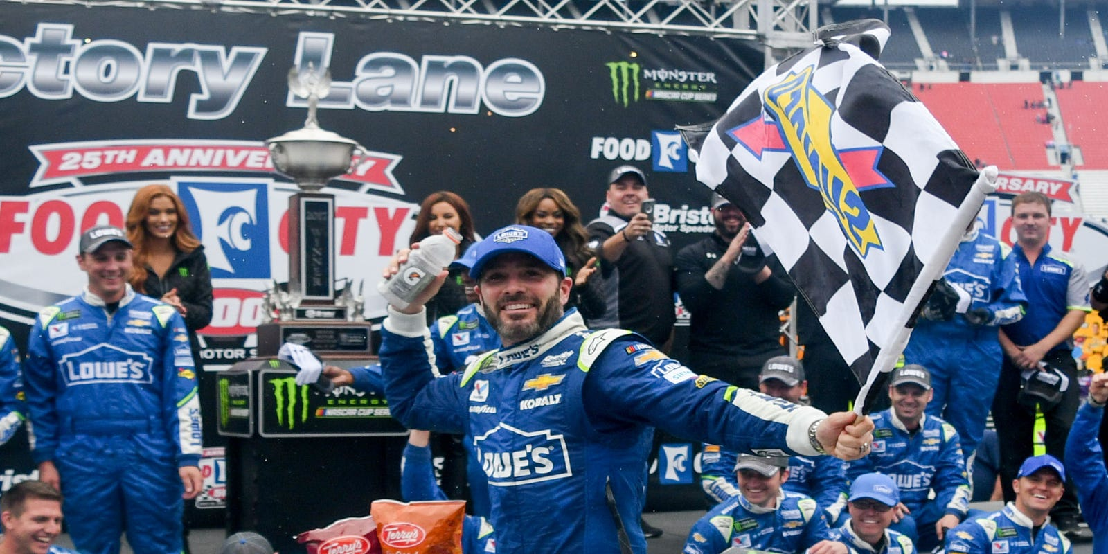 jimmie johnson wins rain delayed nascar cup series race at. Black Bedroom Furniture Sets. Home Design Ideas