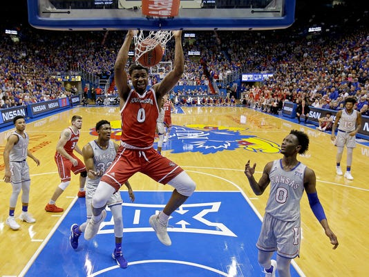 South_Dakota_Kansas_Basketball_95451.jpg