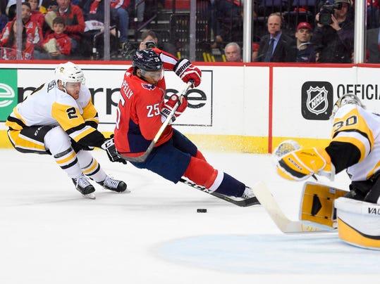 Penguins_Capitals_Hockey_13425.jpg
