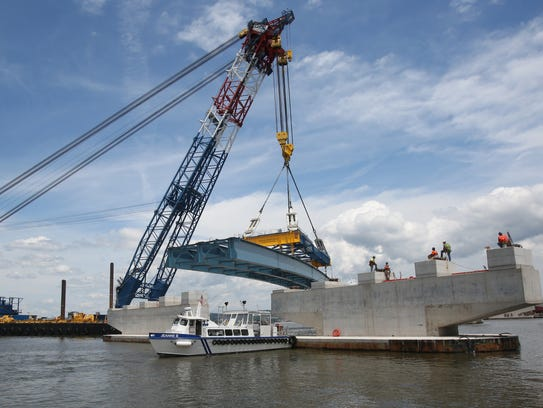The Left Coast Lifter moves a girder assembly into