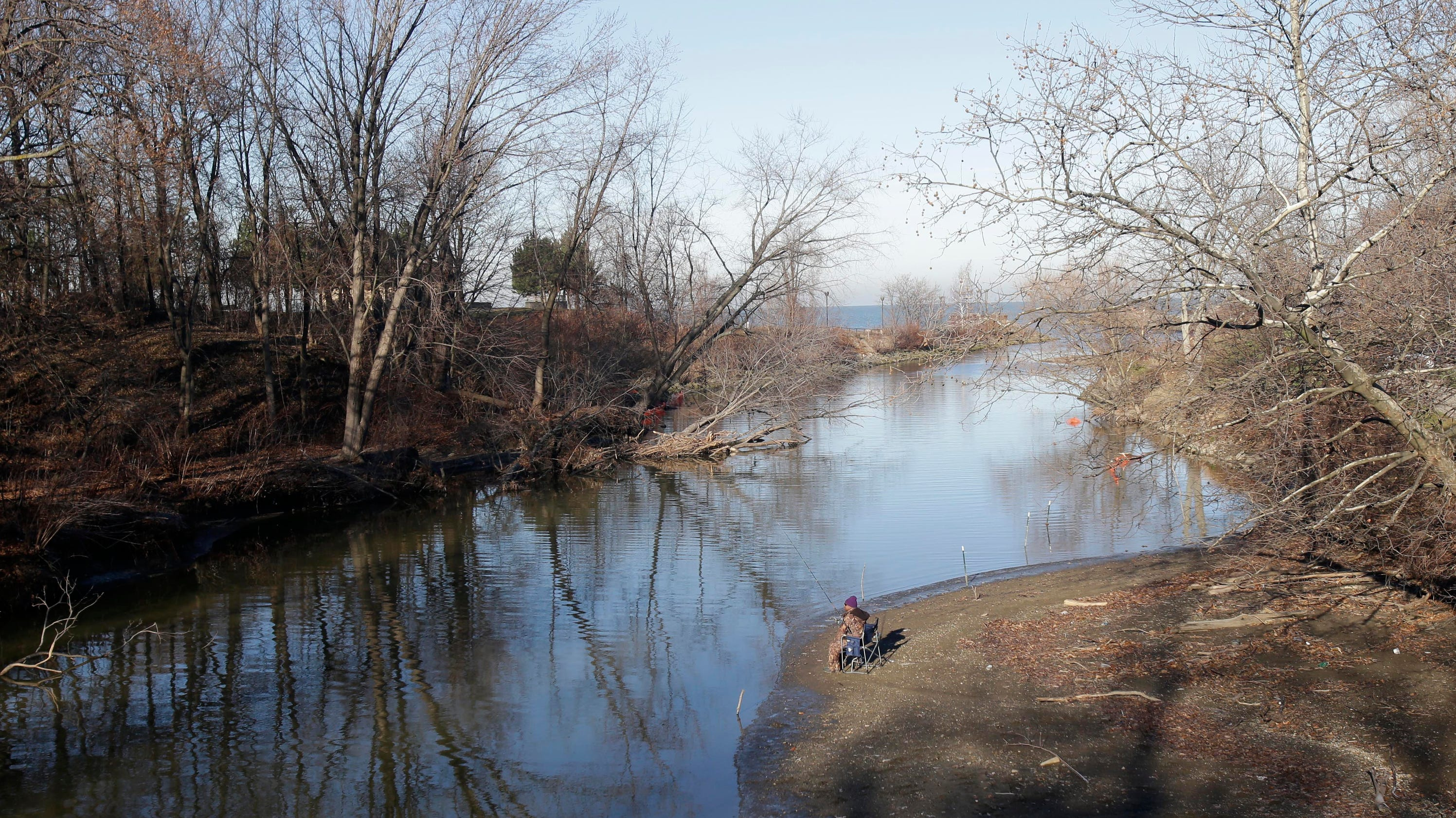 Small rivers streams offer prime ohio fishing spots for Fishing lakes in ohio
