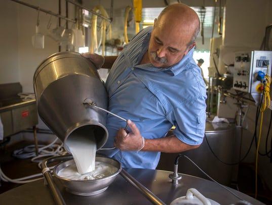 PNI 0806 Cheesemakers 01.JPG