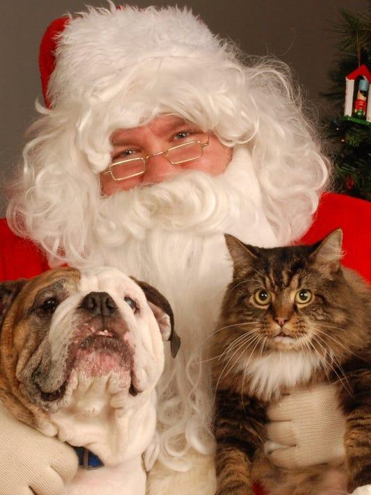 635802416486560740-Santa
