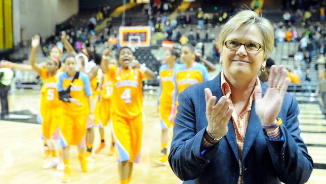 """I think our team needs to have a little bit more togetherness,"" Lady Vols coach Holly Warlick says."