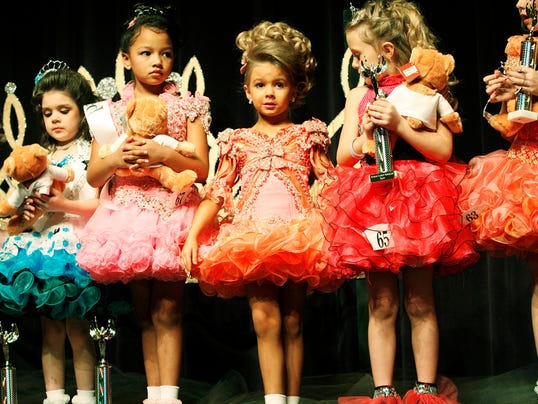 essays on banning child beauty pageants Children beauty pageants general purpose: to persuade specific purpose statement: to persuade my audience that i'm against the children beauty pageants.