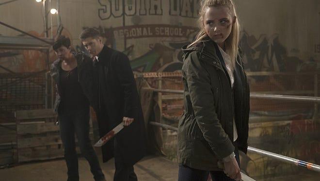 Kim Rhodes as Jody Mills, Jensen Ackles as Dean and Kathryn Love Newton as Claire Novak.