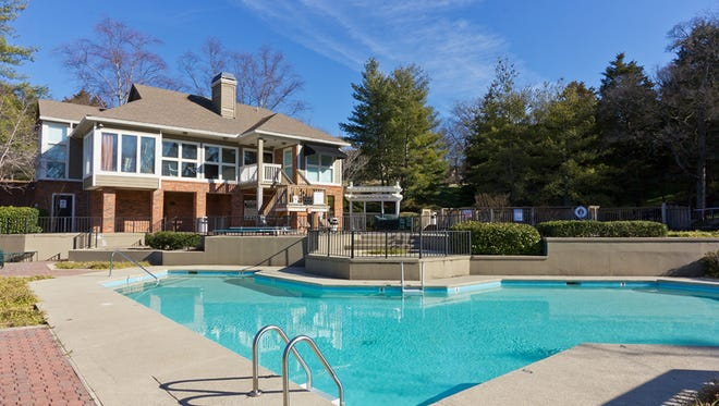Arbors of Brentwood apartments was sold for $45.25 million.